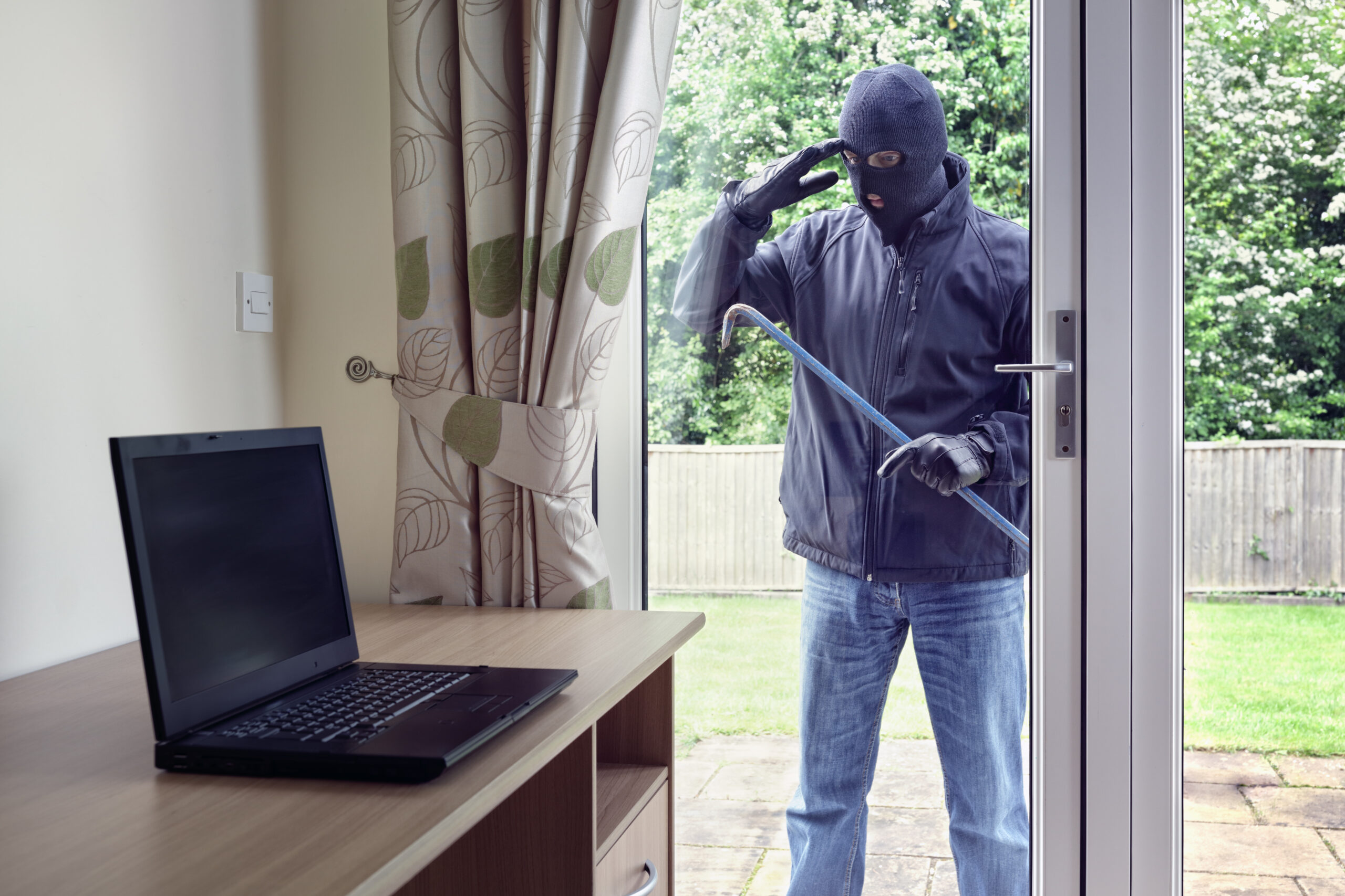 Home security system Colchester | Looking through window